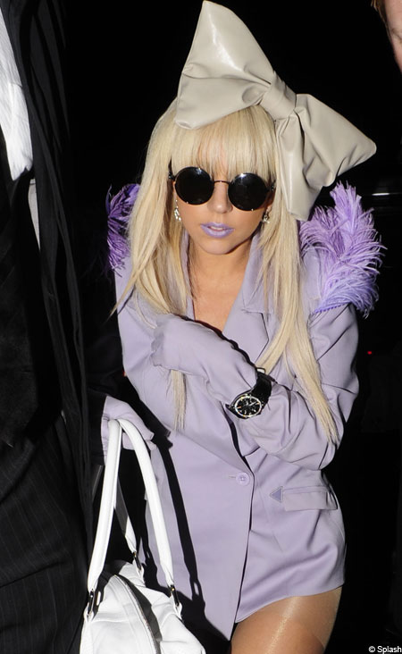 soooooooo this is beautiful lady gaga wearing the purple lips that inspired