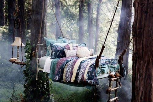 http://2.bp.blogspot.com/_n5cjzrGB6Dk/TFi4mdRyw1I/AAAAAAAAPiw/wW3aOopUyfY/s400/tree-bed.jpg