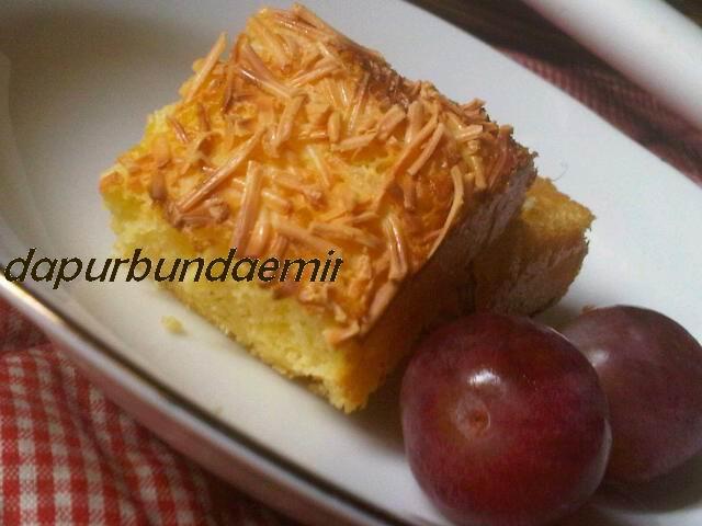 Cake siap dihidangkan, rasanya enak dan ga enek :-) Cobain deh