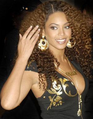 http://2.bp.blogspot.com/_n7UYcK-1Xts/TTCxiR8nb-I/AAAAAAAAAVI/Vef8QaCIWyw/s1600/Beyonce+tight+curl.jpg