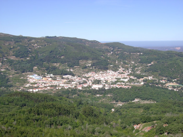 VILA DE MONCHIQUE AVISTADA DA PICOTA