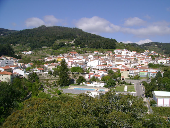 VISTA DA VILA DE MONCHIQUE AO PERTO