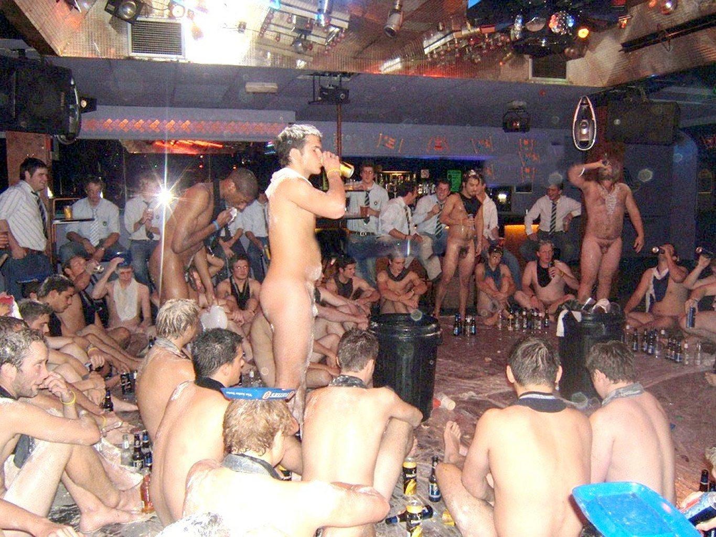 Nude night life nackt clip
