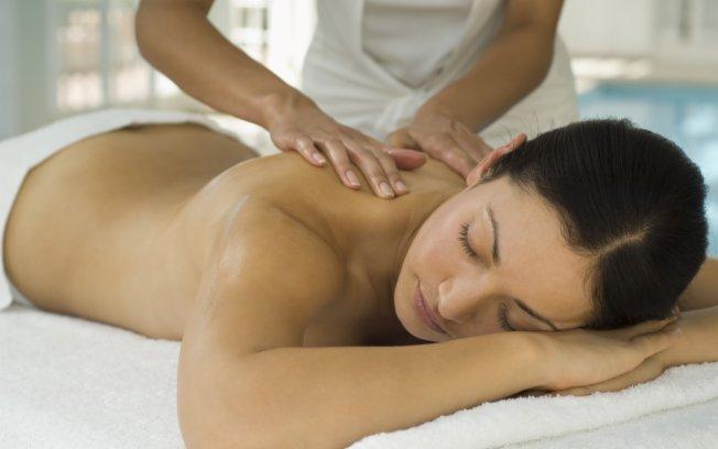 Benefícios da massagem vão além do relaxamento