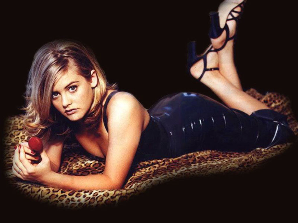 Alicia Silverstone 2011 wallpaper