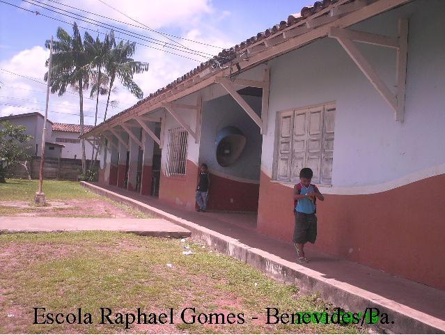 Escola Rafael Gomes