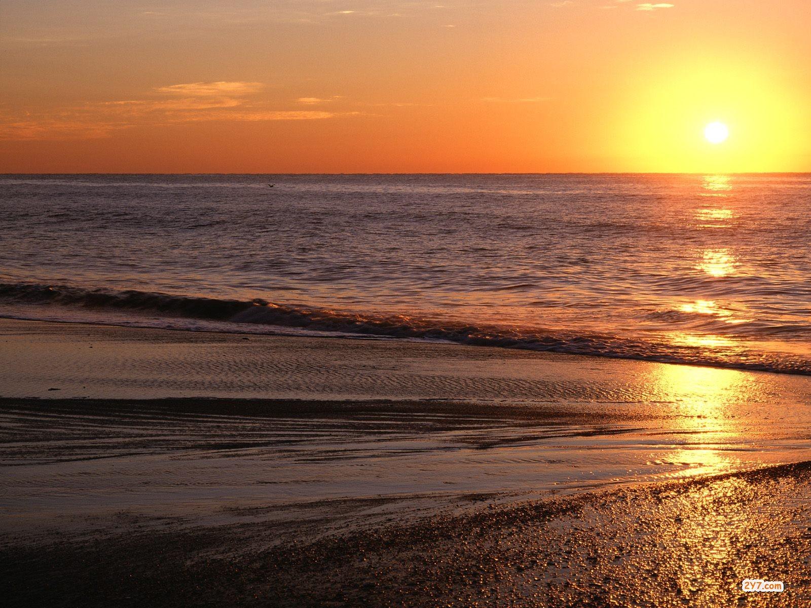 http://2.bp.blogspot.com/_nCZWejPVtpk/TQEy2IeK2UI/AAAAAAAAAPE/1-JKETTMZLQ/s1600/Sunrise-Over-the-Atlantic-Myrtle-Beach-South-C.jpg