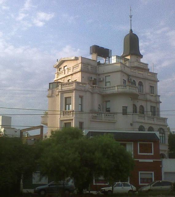 Castillo de los Bichos - Castillo de Villa del Parque - edificio ecléctico Liberty italiano