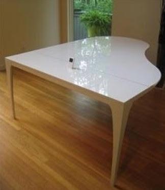 Mesa de diseño forma de piano