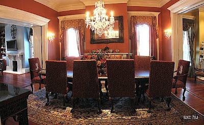 Salón comedor de una lujosa residencia