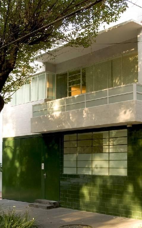 Fachada de casa estilo Moderno años 30 en México