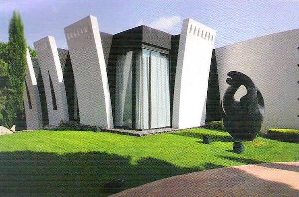Residencia en España con diseño arquitectónico orgánico