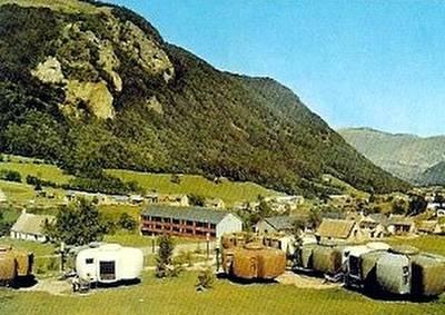 Pirineos con un grupo de casas Bulle