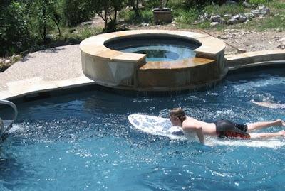 Un medio para hacer natación en su casa, la máquina de nadar