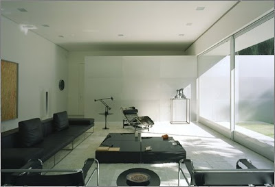 Sala de estar de casa de estilo Minimalista en San Pablo
