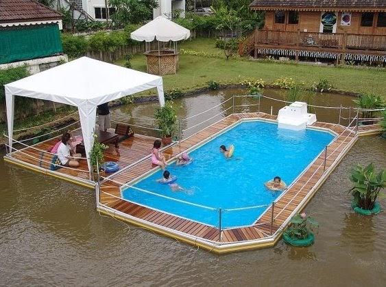 Arquitectura de casas piscinas que flotan en estanques - Medidas de piscinas de casas ...