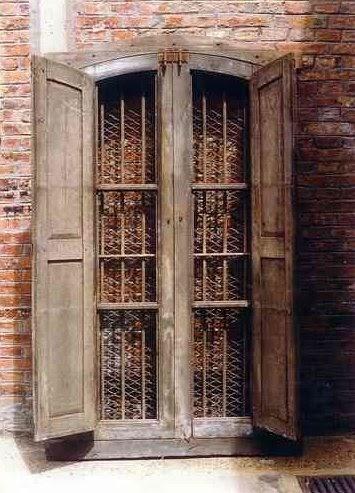 Arquitectura de casas ventanas del siglo xvii en argentina for Demoliciones puertas antiguas