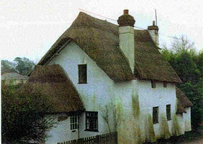 Vieja casa de adobe