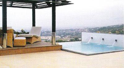 Gazebo y piscina