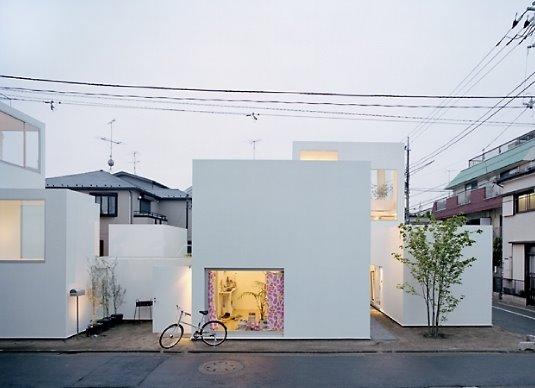Casa residencial de estilo Contemporáneo