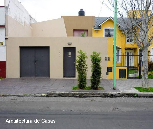 Arquitectura de casas casa chorizo remodelada y modernizada for Fachadas de casas de barrio