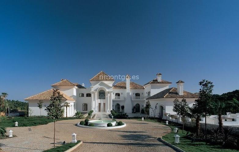 Arquitectura de casas villa de lujo en la zagaleta for Villa de casas