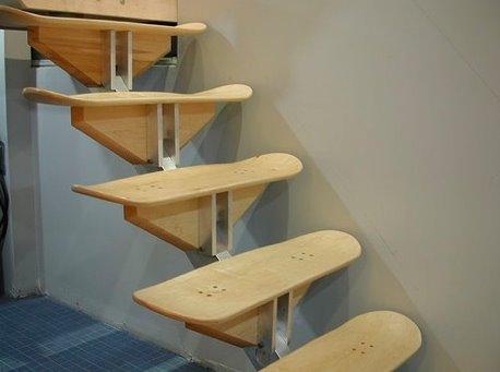 Escalera interior de diseño original con skates