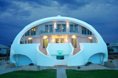 Casa domo vista nocturna
