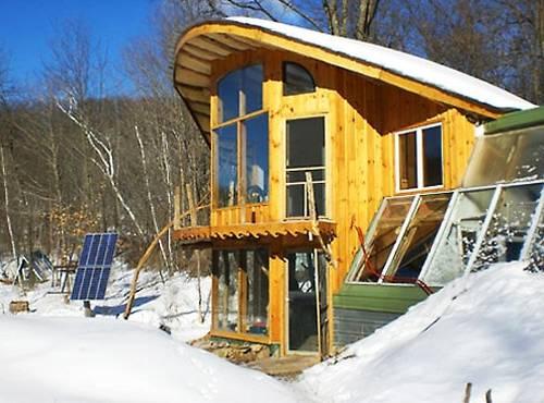 Cabaña hecha de árboles enteros