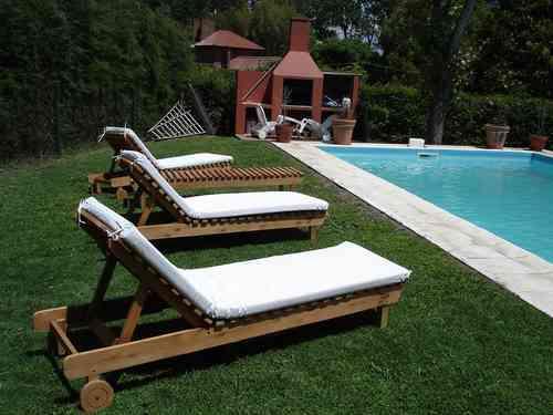Arquitectura de casas mobiliario de jard n for Mobiliario piscina