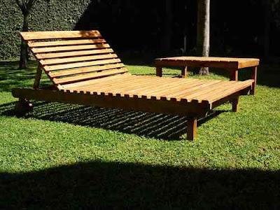 Mobiliario de jardín en madera