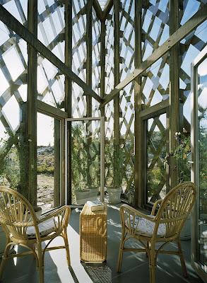 Jardín de invierno en un extremo de casa sueca