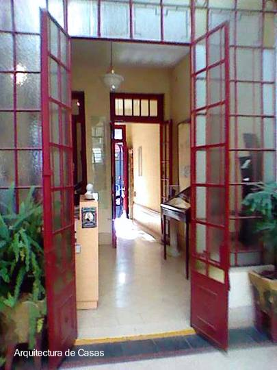 Arquitectura de casas la casa chorizo de carlos gardel en for Casas viejas remodeladas