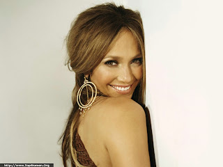 Jennifer Lopez Smiling Wallpaper