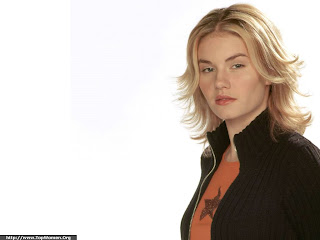 Elisha Cuthbert Picture