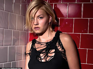 Hot Elisha Cuthbert Sexy Wallpaper