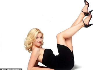 Hot Elisha Cuthbert Wallpaper