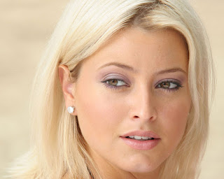 Holly Valance Cute Wallpapers
