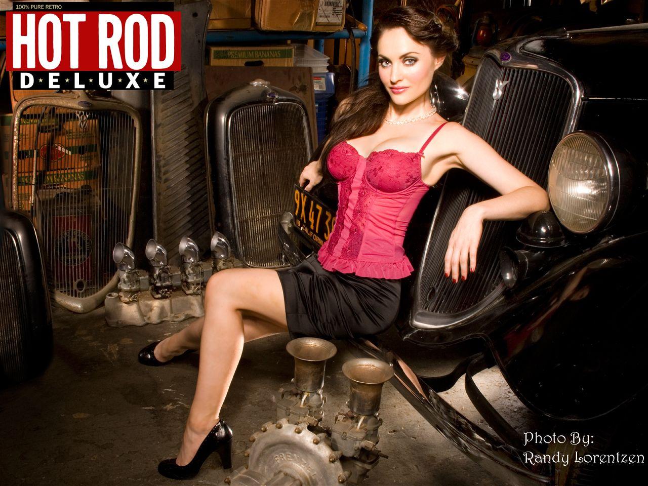 Auto-Kalender mit Sex-Appeal: US Cars & Girls 2015