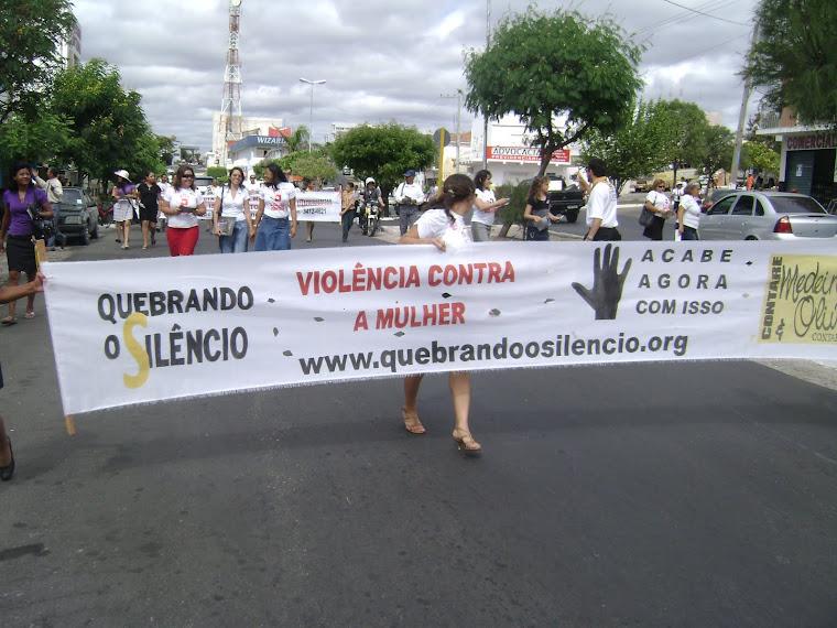 passeata contra a violência
