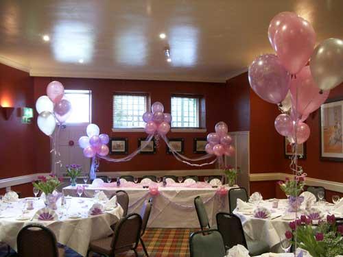 Decoraci n comuniones decoraci n con globos para eventos - Como decorar un salon para comunion ...