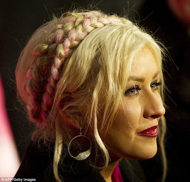 christina aguilera hair up. Summery dress aside, Aguilera