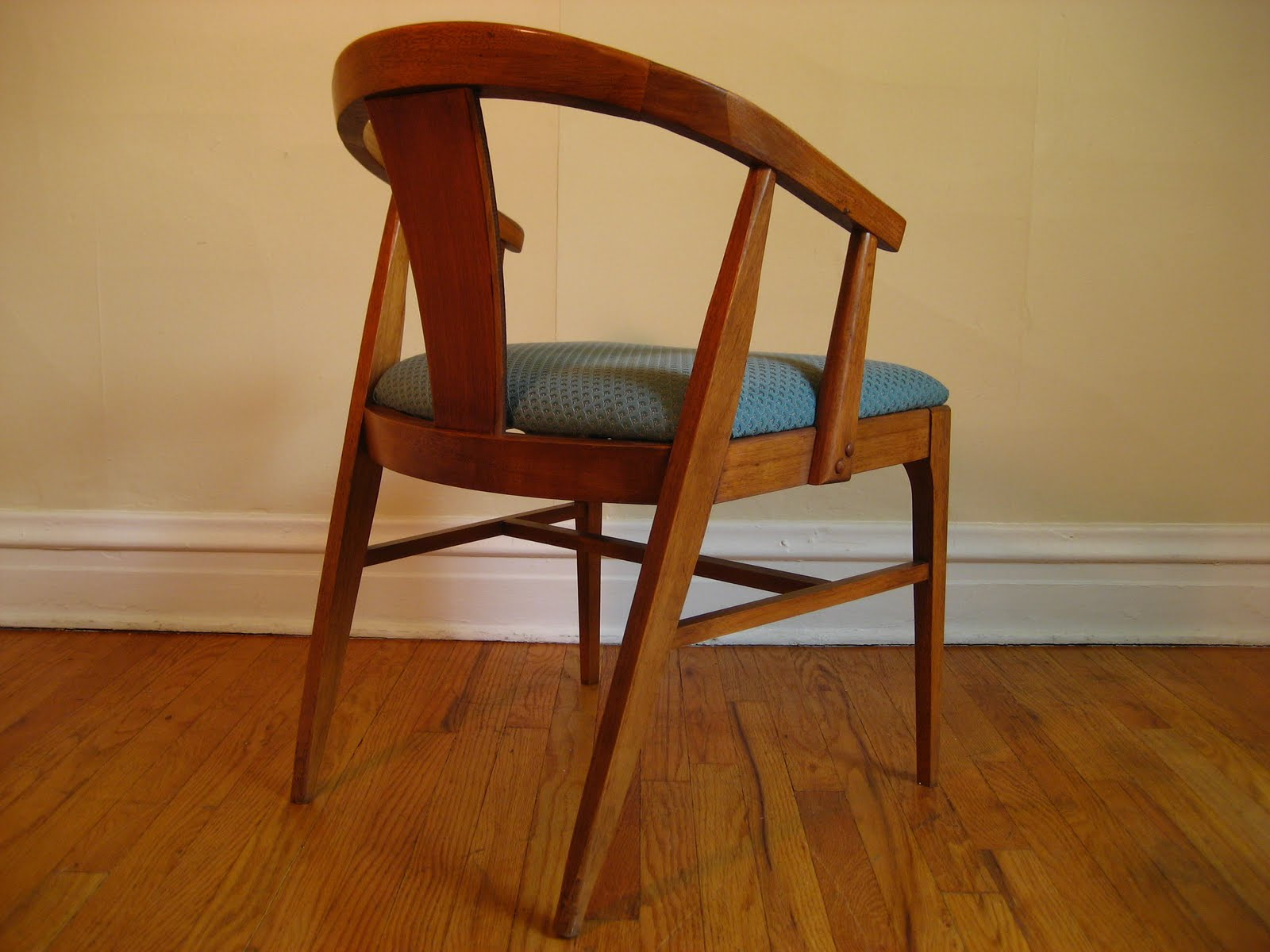flatout design: Mid Century Modern Dining Chairs