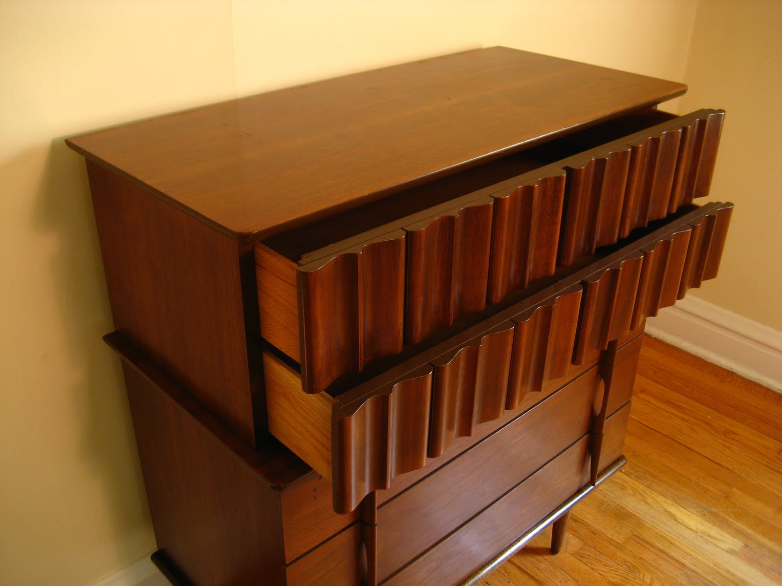 Marvelous Mid Century Modern Hi Boy. United Furniture Corporation ...