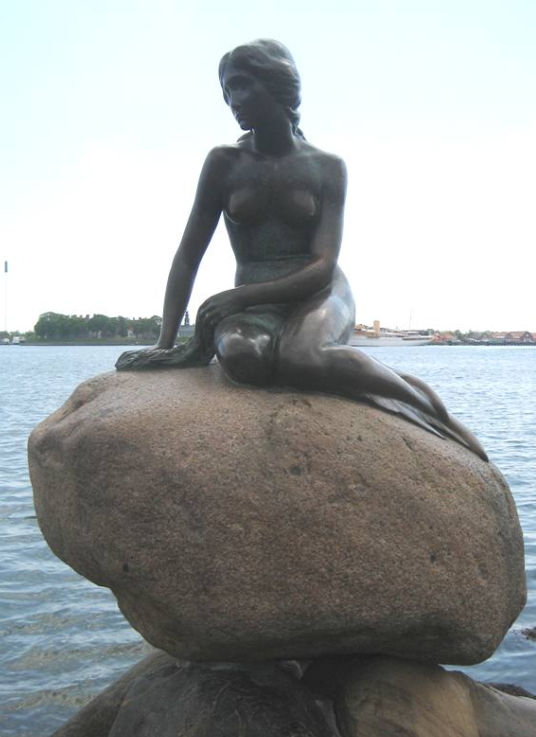 Little Mermaid Copenhagen Red Paint