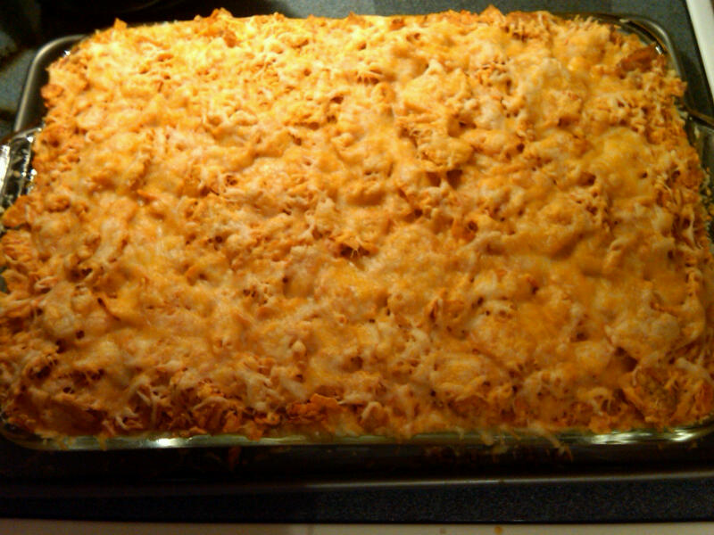 Vix Kitchen: Mexican Cheesy Chicken and Rice Casserole