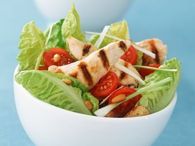 http://2.bp.blogspot.com/_nKuBghAquvg/Sl1yll4InJI/AAAAAAAAAO4/7a0XFRmicOo/s400/diyet_tavuklu_salata.jpg