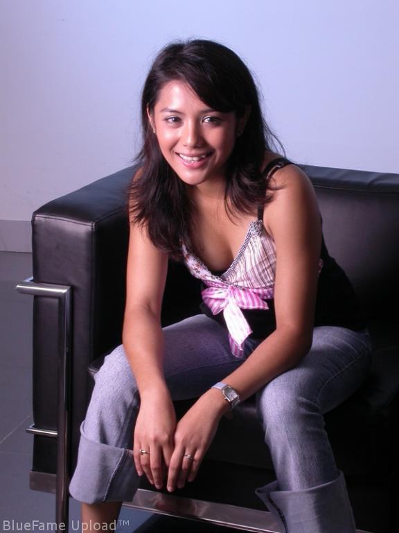Nadila Hot