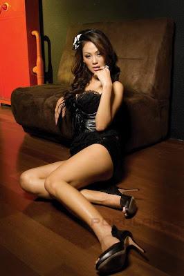 Foto Seksi Indah Kalolo Black Dress for Popular