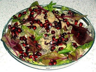 Салат с жареной курицей